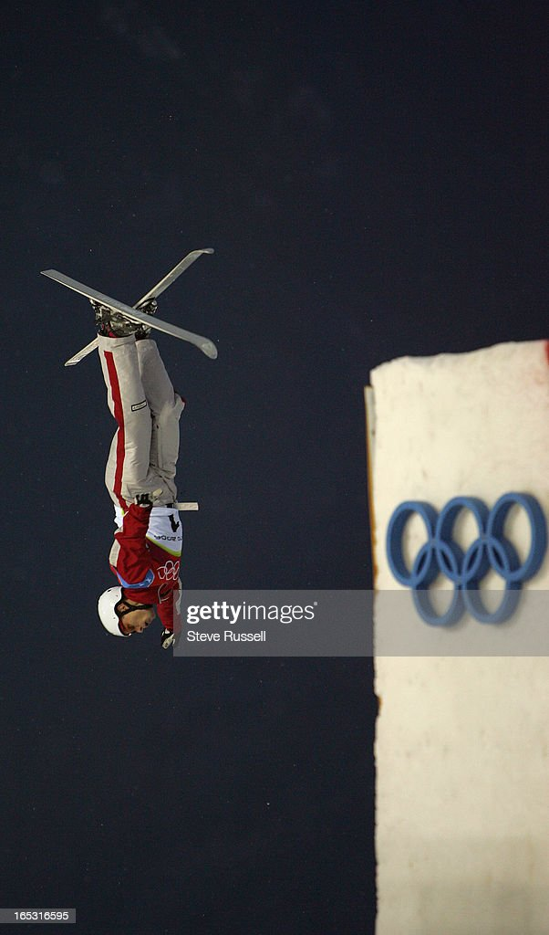 S AERIALS---02/23/06---Kyle Nissen comes in for a landing during training for the Men's Aerials close out the Freestyle events in Souze d' Oulx at the Torino 2006 XX Winter Olympics hosted by Turin, Italy , February 23, 2006.