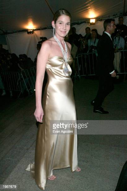 Aerin Lauder arrives at the Metropolitan Museum of Art Costume Institute Benefit Gala sponsored by Gucci April 28 2003 at The Metropolitan Museum of...