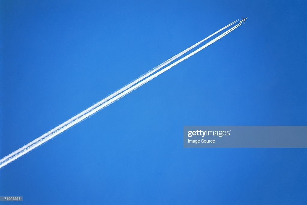 Aeroplane with vapour trail