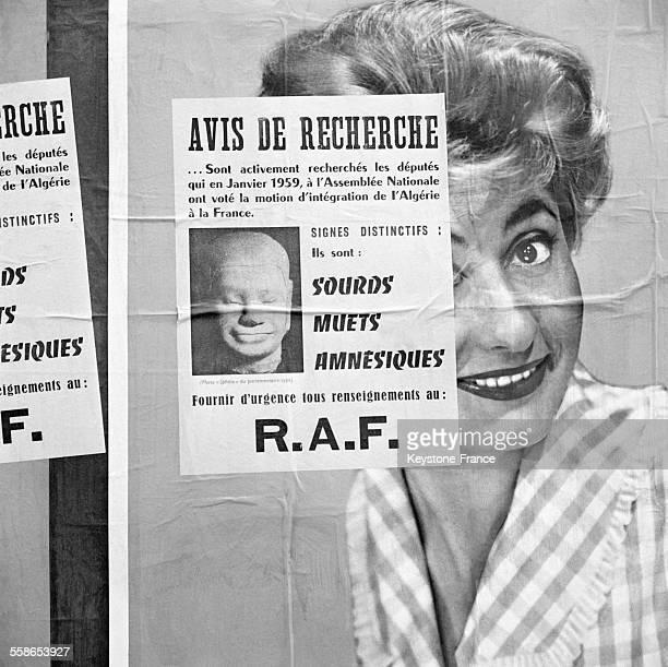 Affiche collée dans les rues de Paris France le 12 octobre 1959