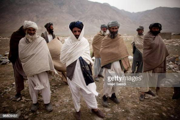 What do Pakistan Pashtuns look like, Indic or Iranic? - Page
