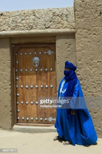 Africa Mali Timbuktu City On The Edge Of The Sahara Desert Sankore Mosque Early 15th Century Tuareg Man Door