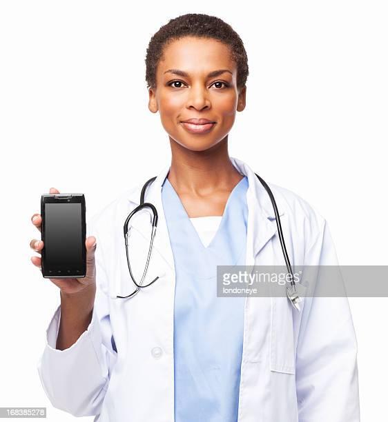 Afrikanische amerikanische Ärztin mit Smartphone-isoliert