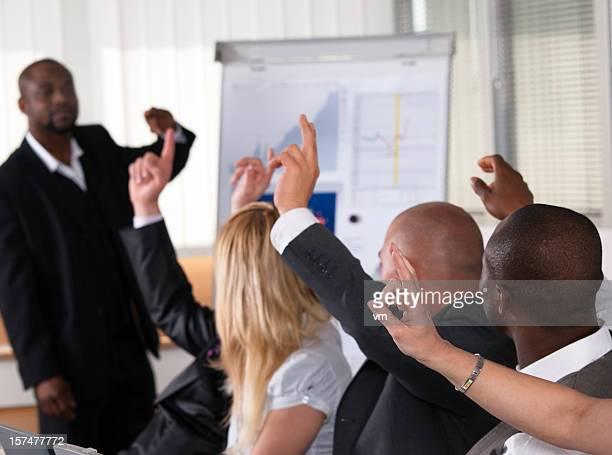 Afro-Américain devant son maître de classe