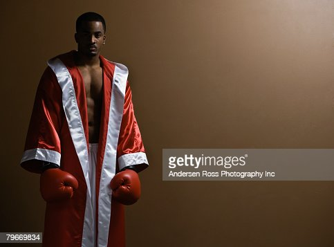 African American man wearing boxing gloves : ストックフォト