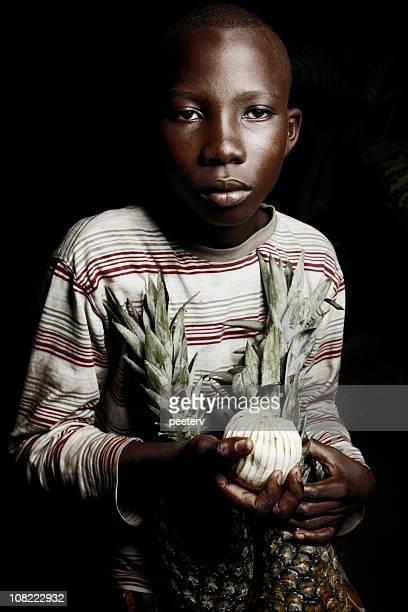 アフリカの少年、フルーツ