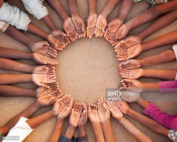 African Chidren mains