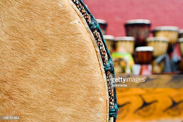 Tambours africains main