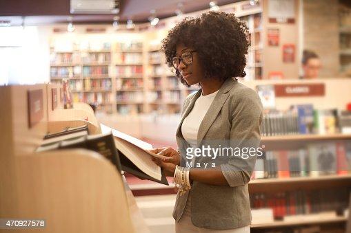 African women at bookstore