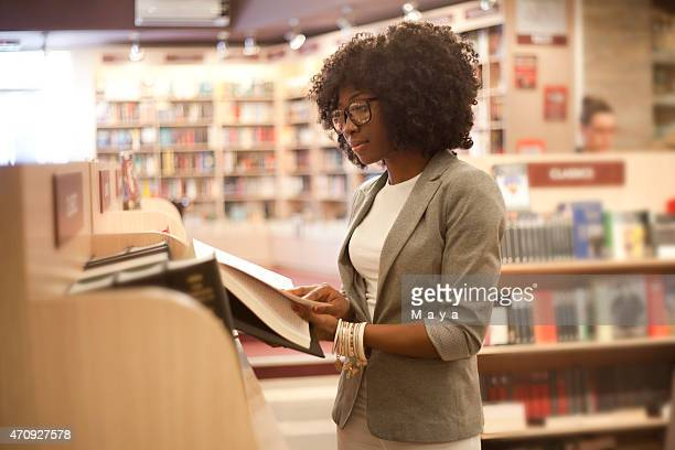 African women at bookstore