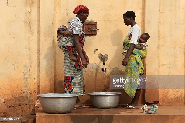 African women doing chores