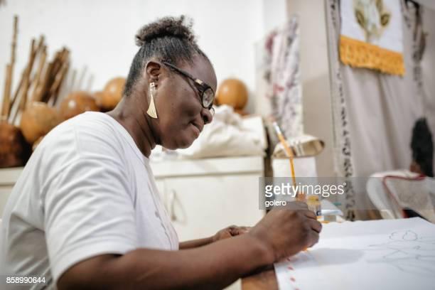 Afro-brasilianische Frau Malerei Textilien für traditionelle Kostüme