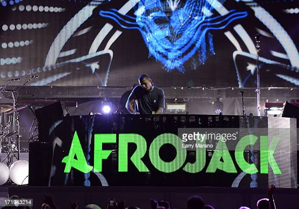 Afrojack performs live at the iHeartRadio Ultimate Pool Party Presented by VISIT FLORIDA at Fontainebleau's BleauLive in Miami on June 29 2013 in...