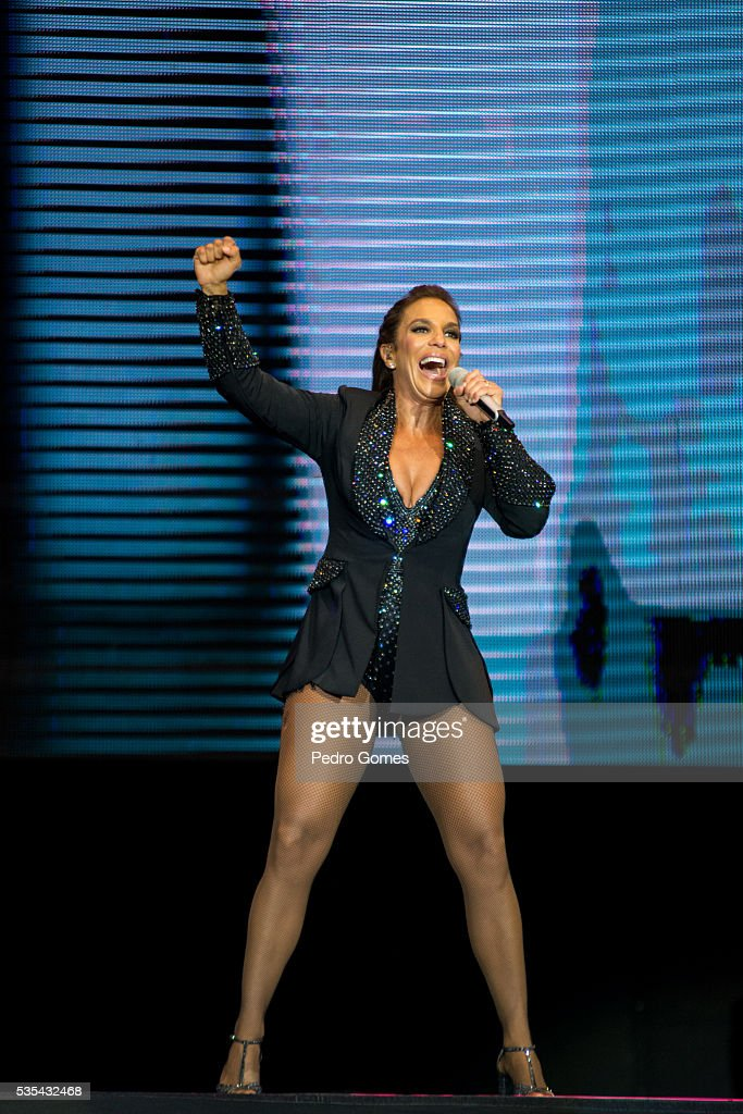 After a cancellation by Ariana Grande, brazilian singer <a gi-track='captionPersonalityLinkClicked' href=/galleries/search?phrase=Ivete+Sangalo&family=editorial&specificpeople=609904 ng-click='$event.stopPropagation()'>Ivete Sangalo</a> performs for the second time on Mundo stage at Rock in Rio on May 29, 2016 in Lisbon, Portugal.