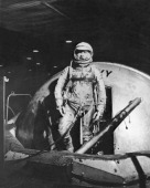 After A Practice In The Setting Of The Program Spatial' Mercury' In The Medical Laboratory Of Aviation Acceleration The American Astronaut Donald...