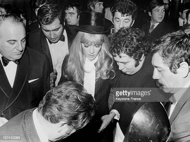 After Her Show On The Olympia Stage The Singer Sylvie Vartan Is Surrounded By Bruno Coquatrix And By Carlos On December 4Th 1968