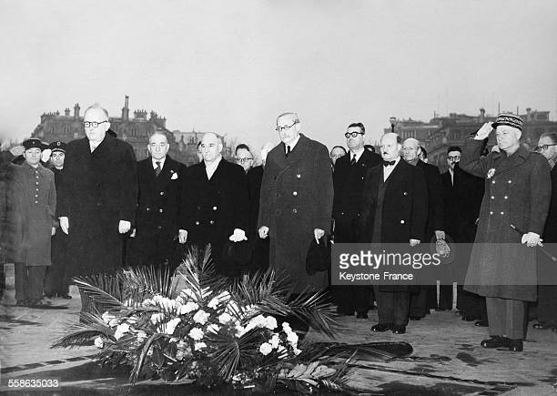 After his election as President of the French republic Vincent Auriol pays tribute to the Unknown Soldier Grave with members of his government in...