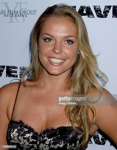 Agnes Bruckner Nude Photos 12