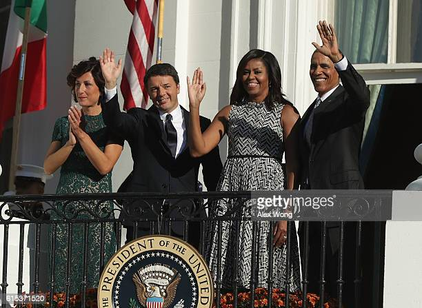 Agnese Landini Prime Minister of Italy Matteo Renzi first lady Michelle Obama and US President Barack Obama wave from the balcony of the White House...