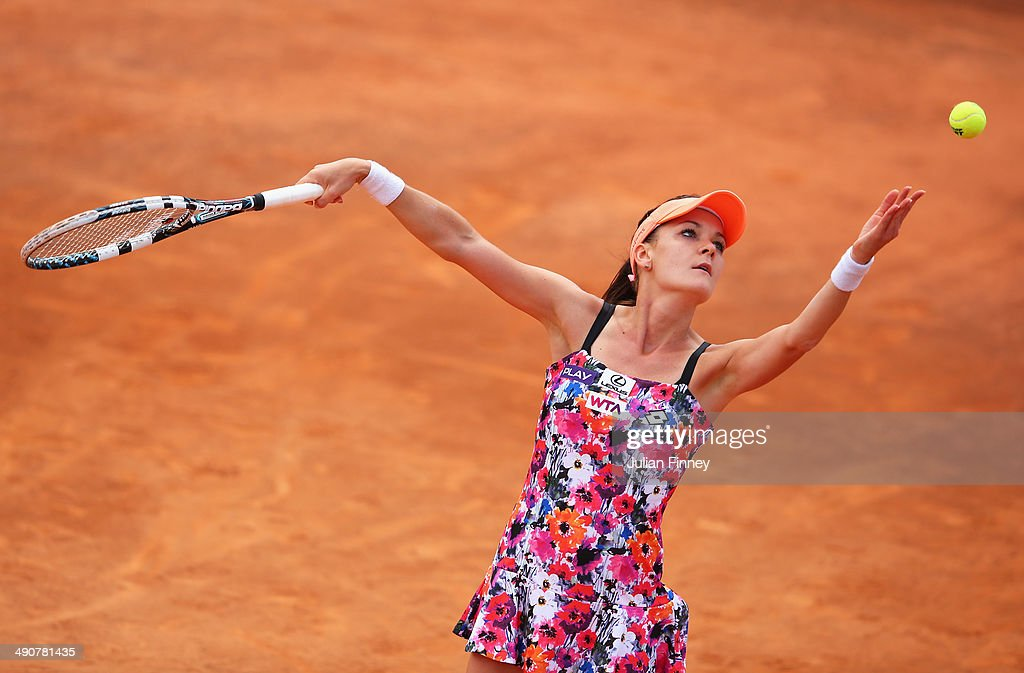 <a gi-track='captionPersonalityLinkClicked' href=/galleries/search?phrase=Agnieszka+Radwanska&family=editorial&specificpeople=579516 ng-click='$event.stopPropagation()'>Agnieszka Radwanska</a> of Poland serves to Francesca Schiavone of Italy during day five of the Internazionali BNL d'Italia tennis 2014 on May 15, 2014 in Rome, Italy.