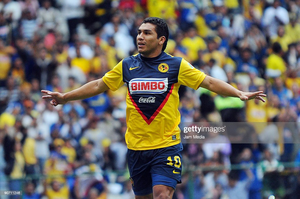 Aguilas del Americas' Salvador Cabanas celebrates his goal against Estudiantes Tecos during their match for the 2009 Opening tournament, the Mexican Football League, at the Azteca Stadium on September 13, 2009 in Mexico City, Mexico