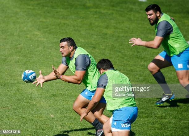 Agustin Creevy catches the ball during Argentina Rugby Championship Captain's Run at Padre Ernesto Martearena Stadium on August 25 2017 in Salta...