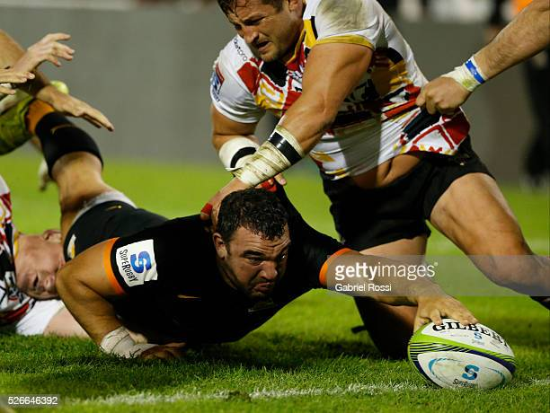 Agustin Creevy of Jaguares scores a try during a match between Jaguares and Kings as part of Super Rugby 2016 6 at Jose Amalfitani Stadium on April...