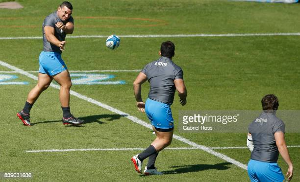 Agustin Creevy passes the ball during Argentina Rugby Championship Captain's Run at Padre Ernesto Martearena Stadium on August 25 2017 in Salta...