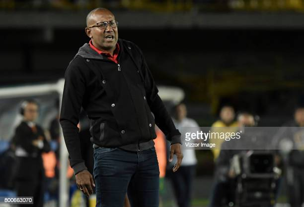 Agustin Julio coach of Independiente Santa Fe gestures during a second leg match between Independiente Santa Fe and Atletico Huila as part of Liga...