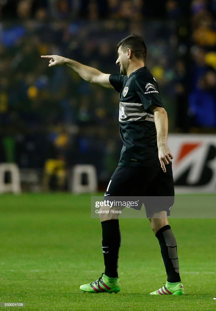 <a gi-track='captionPersonalityLinkClicked' href=/galleries/search?phrase=Agustin+Orion&family=editorial&specificpeople=2498311 ng-click='$event.stopPropagation()'>Agustin Orion</a> goalkeeper of Boca Juniors celebrates after winning a second leg match between Boca Juniors and Nacional as part of quarter finals of Copa Bridgestone Libertadores 2016 at Alberto J Armando Stadium on May 19, 2016 in Buenos Aires, Argentina.