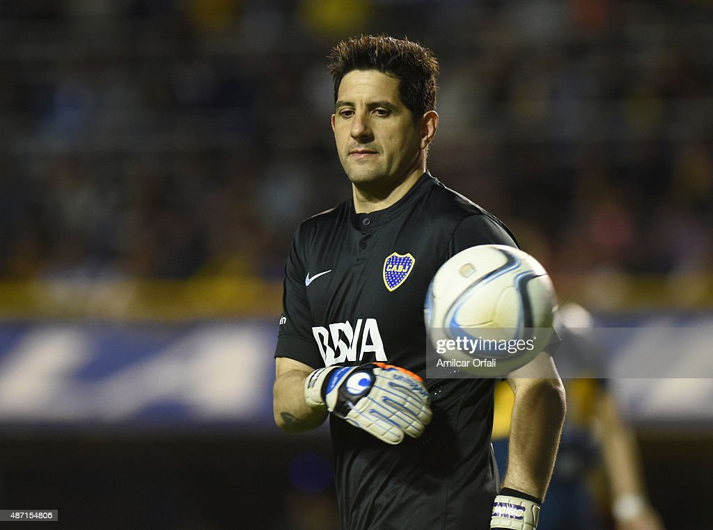 <a gi-track='captionPersonalityLinkClicked' href=/galleries/search?phrase=Agustin+Orion&family=editorial&specificpeople=2498311 ng-click='$event.stopPropagation()'>Agustin Orion</a> goalkeeper of Boca Juniors looks on during a match between Boca Juniors and San Lorenzo as part of 23rd round of Torneo Primera Division 2015 at Alberto J. Armando Stadium on September 06, 2015 in Buenos Aires, Argentina.