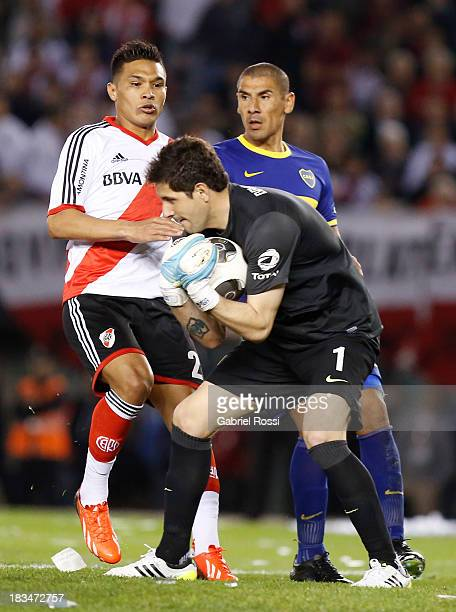 Agustin Orion of Boca Juniors in action during a match between River Plate and Boca Juniors as part of the Torneo Inicial 2013 at the Antonio...