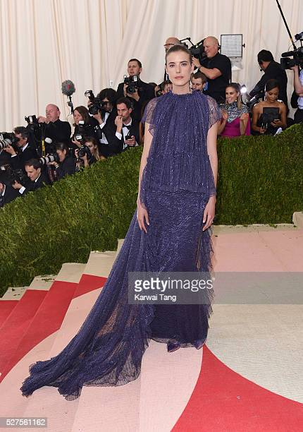 Agyness Deyn arrives for the 'Manus x Machina Fashion In An Age Of Technology' Costume Institute Gala at Metropolitan Museum of Art on May 2 2016 in...
