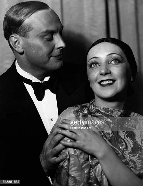 Ahlers Anny Actress Singer Germany* with actor Harald Paulsen in the play ' Die Blume von Hawaii ' by Paul Abraham Photographer Theodor Fanta...