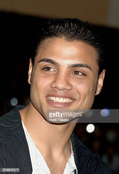 <b>Ahmed Kaddour</b> - Illustrations et images - ahmed-kaddour-arrives-at-the-premiere-of-the-house-of-wax-at-mann-picture-id529805372?s=594x594