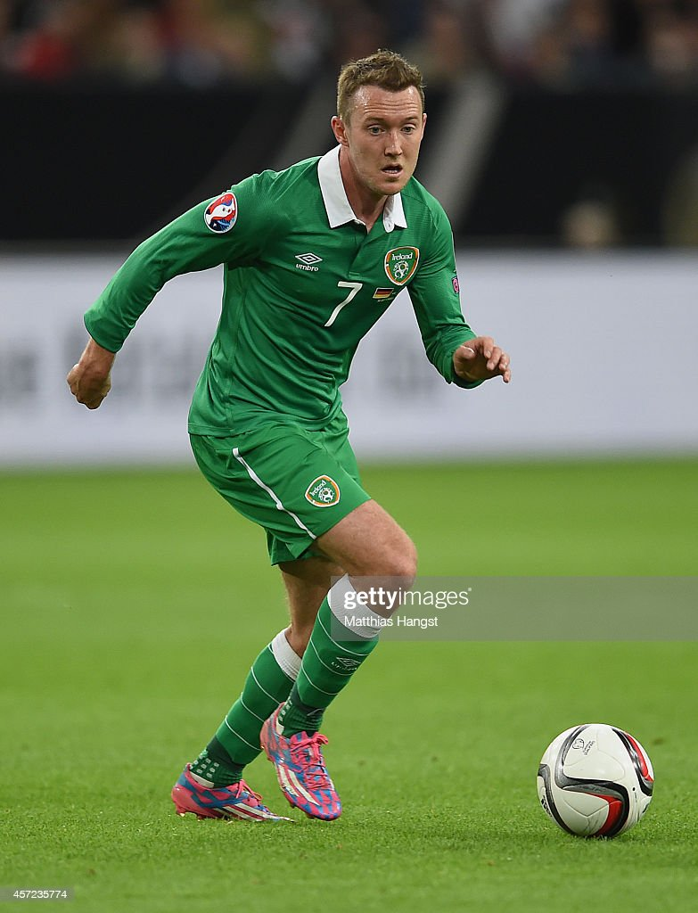 <a gi-track='captionPersonalityLinkClicked' href=/galleries/search?phrase=Aiden+McGeady&family=editorial&specificpeople=713430 ng-click='$event.stopPropagation()'>Aiden McGeady</a> of Ireland controls the ball during the EURO 2016 Group D qualifying match between Germany and Ireland at Veltins Arena on October 14, 2014 in Gelsenkirchen, Germany.