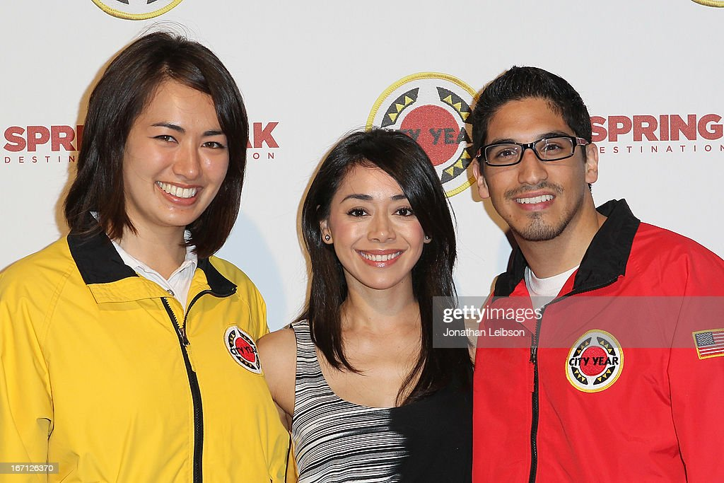 <a gi-track='captionPersonalityLinkClicked' href=/galleries/search?phrase=Aimee+Garcia&family=editorial&specificpeople=561569 ng-click='$event.stopPropagation()'>Aimee Garcia</a> (C) and City Year Los Angeles AmeriCorps members attend the City Year Los Angeles' Spring Break: Destination Education at Sony Pictures Studios on April 20, 2013 in Culver City, California.