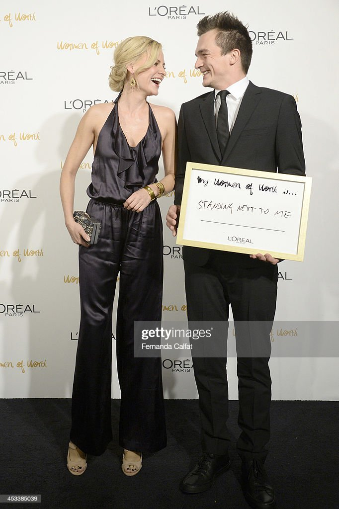 <a gi-track='captionPersonalityLinkClicked' href=/galleries/search?phrase=Aimee+Mullins&family=editorial&specificpeople=650180 ng-click='$event.stopPropagation()'>Aimee Mullins</a> and <a gi-track='captionPersonalityLinkClicked' href=/galleries/search?phrase=Rupert+Friend&family=editorial&specificpeople=830314 ng-click='$event.stopPropagation()'>Rupert Friend</a> attend L'Oreal Paris' Women of Worth 2013 at The Pierre Hotel on December 3, 2013 in New York City.