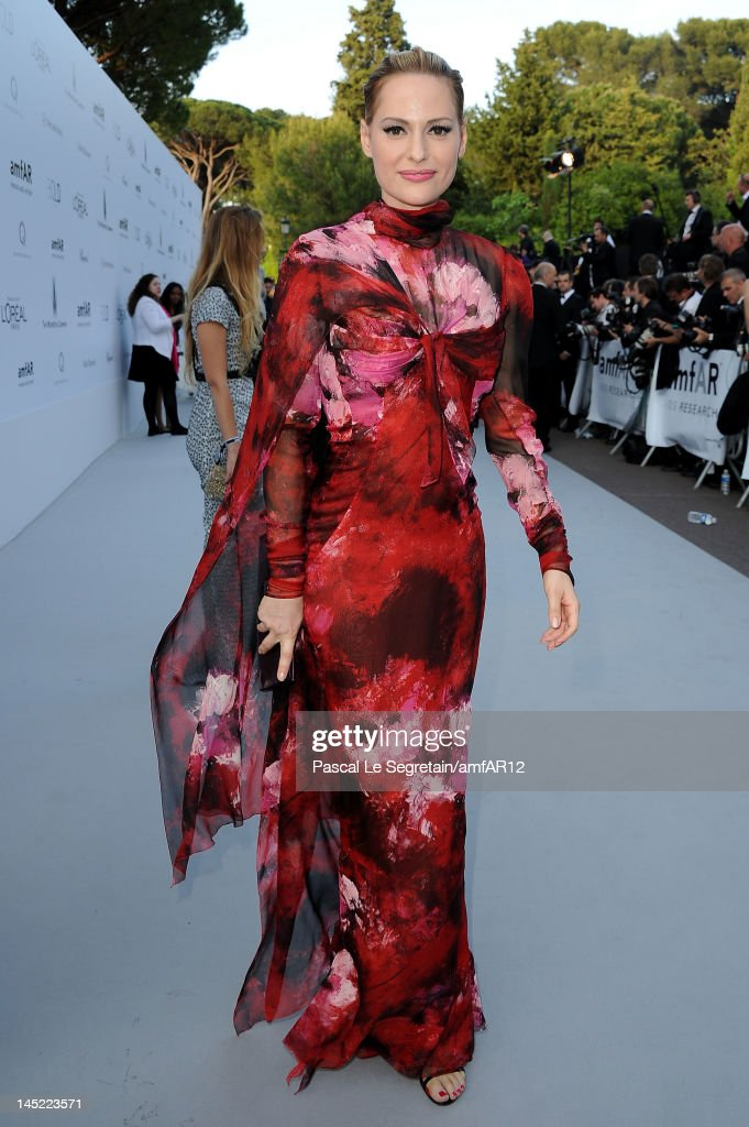 Aimee Mullins arrives at the 2012 amfAR's Cinema Against AIDS during the 65th Annual Cannes Film Festival at Hotel Du Cap on May 24, 2012 in Cap D'Antibes, France.