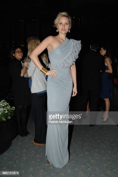 Aimee Mullins attends EARTH AWARDS Gala at The Four Seasons on January 12 2009 in New York City