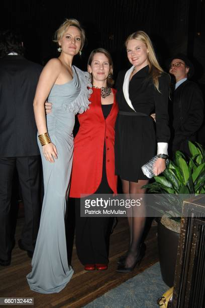 Aimee Mullins Paola Antonelli and Kate Schelter attend EARTH AWARDS Gala at The Four Seasons on January 12 2009 in New York City