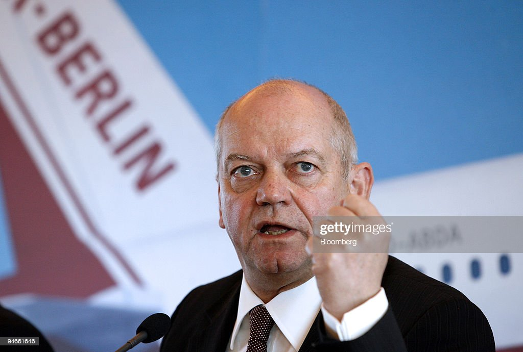 Air Berlin Chief Executive Officer Joachim Hunold speaks at a press conference in Berlin Germany Tuesday March 27 2007 Air Berlin Plc Europe's...
