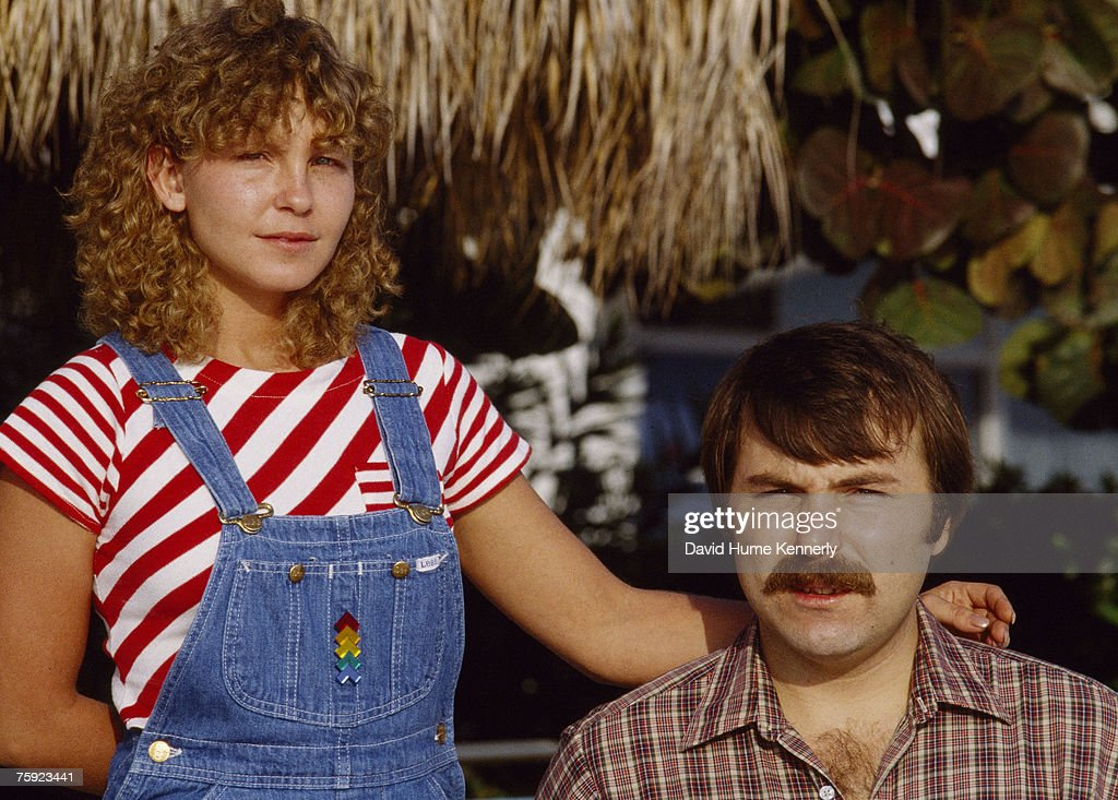 Air Florida Flight 90 survivors Priscilla Tirado(L) and Lenny Skutnik(R) pose for a photo on November 15, 1982 in Washington, DC.