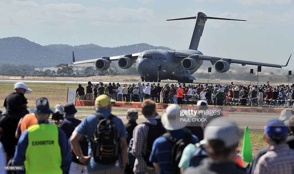 Air Force C-17 prepares to take off for a flying demonstration during the Australian International Airshow in Melbourne on March 1, 2013. 180,000 patrons are expected through the gates over the duration of the event staged at the Avalon Airfield some 80kms south-west of Melbourne. AFP PHOTO / Paul CROCK