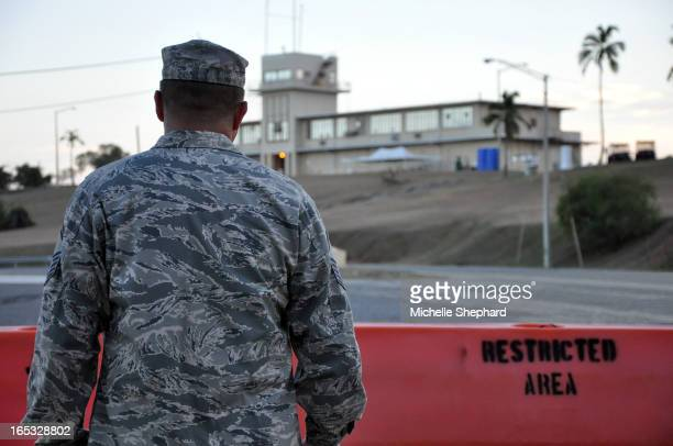 BAY Air Force Master Sgt John Asselin stands before the military courthouse where Canadian detainee Omar Khadr is on trial The Torontoborn captive is...