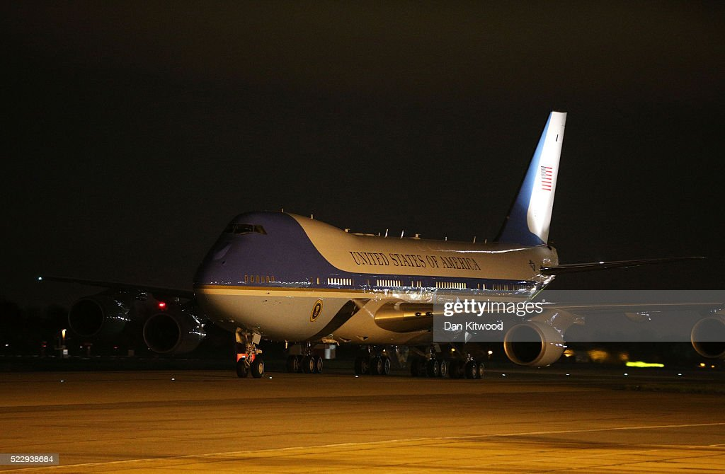 Air force one arrives ahead of us president barack obama s arrival at