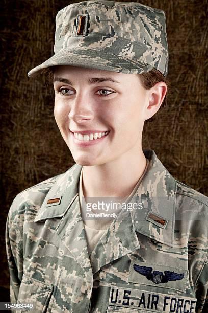 US Air Force serie: American Airwoman sorridente