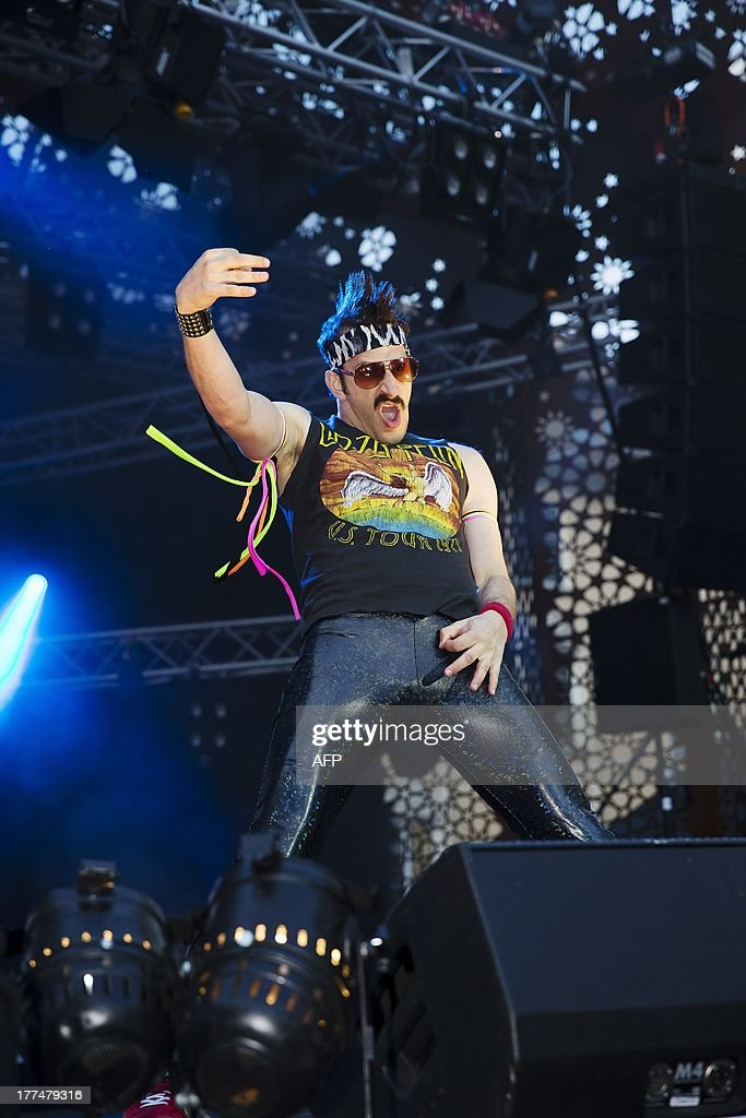 US air guitarist Runner-up Doug 'The Thunder' Stroock performs during the 2013 Air Guitar World Championships in Oulu, Finland on August 23, 2013. AFP PHOTO / Lehtikuva/TIMO HEIKKALA FINLAND OUT