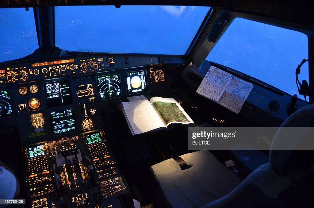 Airbus A320 flight deck