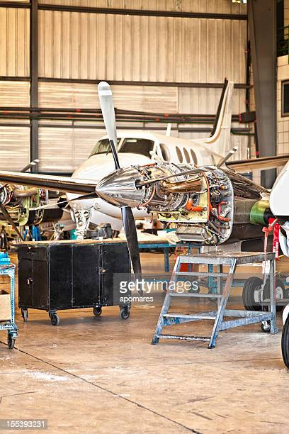 Aircraft maintenance des moteurs
